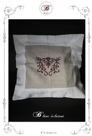 リネン クッションカバー(刺繍・赤)