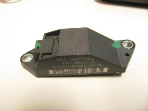 中古 ベンツ R230 W211 リア クラッシュセンサー 0018209326 SL350 SL500 SL600 SL55 SL65 E220 E270 E280 E320 E500 E55