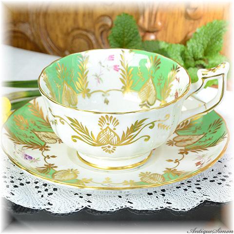 ロイヤルチェルシー 極上美品 1951年~1961年 Royal Chelsea 着彩も金彩もすべてハンドペイント 可憐な花束 手描き 存在感のあるカップ&ソーサー アッパークラスのクオリティ