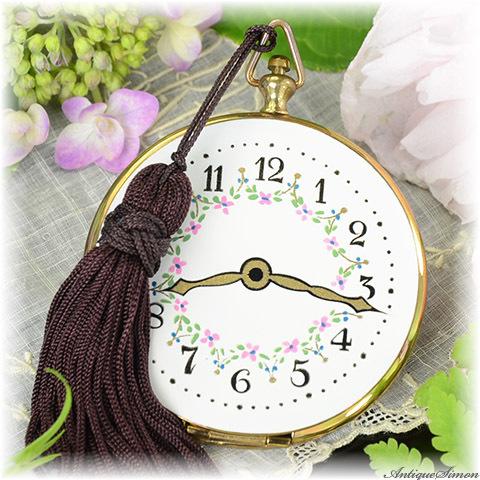 ボルプテ VOLUPTE 未使用極上美品 ミニサイズ 懐中時計型コンパクト 1953年 愛らしいサイズ ノスタルジックな美しさ エンジンターンの彫り 優美なタッセル付き お粉用コンパクト
