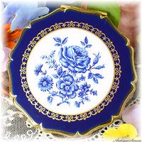 ストラットン Stratton 未使用極上美品 特注新品ミラー クラシカルな美しさ 洗練の美 ブルーローズ 金彩の飾り窓 知的な印象 青い薔薇 バラ お粉プレスト両用 クイーンタイプ コンパクト
