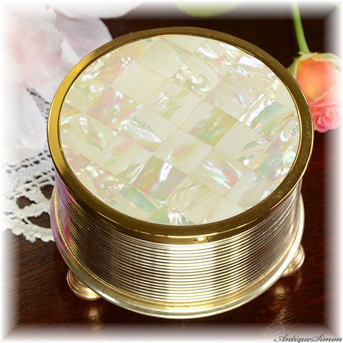 試聴できます オルゴール付き 未使用品 楽しい宝石入れにも パウダージャー 特注新品ミラー交換済み スイスREUGE製ムーブメント マザーオブパール虹色の輝き 英国製 お粉用