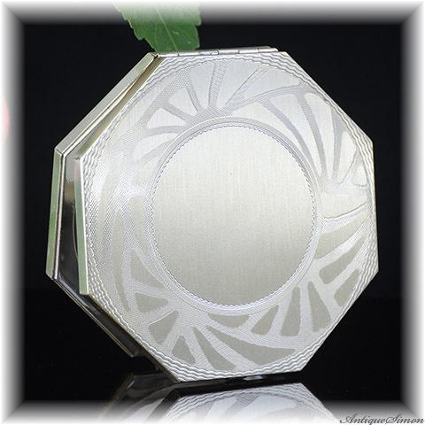 ゼル Zell Fifth Avenue 純銀 シルバー925 クールなエレガンス 存在感 ラージサイズ 鏡も八角形 未使用品 価値あるエンジンターン彫金 お粉用コンパクト 一点物 アメリカ製