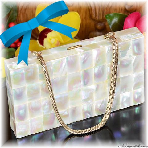 シルドクラウト SCHILDKRAUT 全面マザーオブパール 小型バッグにコンパクトが入ったキャリーオール 天然の真珠母貝120枚 虹色の輝き パーティーや謝恩会に 個性的にドレスアップ 1950年代