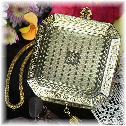 1920年代のアンティーク 繊細で優雅 エドワーディアンスタイル ゆれる鎖 ダンシングコンパクト コンパクトにも宝石入れにも使えます アール・ヌーヴォーの息吹 人目を惹く格別のアイテム