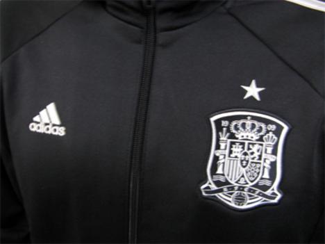 【54%割引】 14W杯 スペイン代表 アンセムジャケット adidas