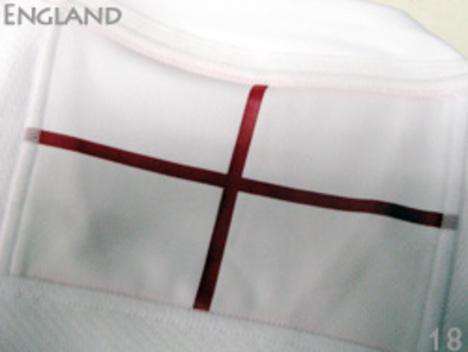 背面には、イングランド国旗