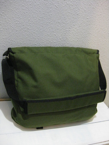 【SALE60%OFF★DRIFTER】TWO TONE MESSENGER BAG