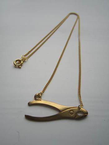 【Aquvii】Tools Necklace (ペンチ)