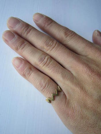 【Aquvii】zigzag ring(GOLD)