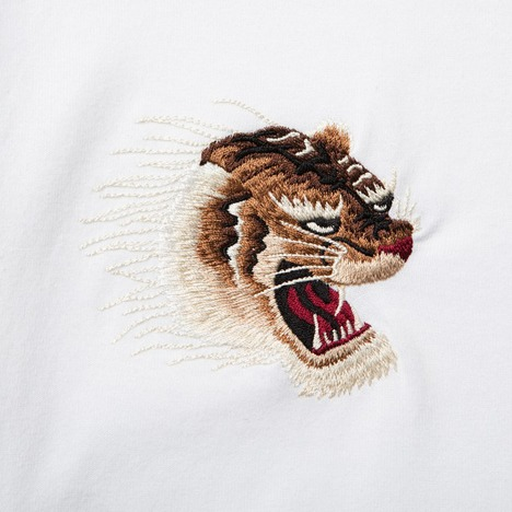 【CLUCT】EMBROIDERED TIGER S/S TEE