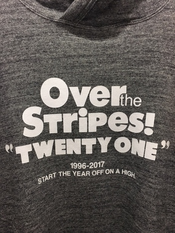 【OVER THE STRiPES】コットン裏毛パーカー 21pt