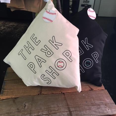 【THE PARK SHOP】 HOMEBASE CUSHION (BLACK)