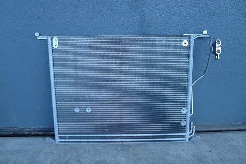 中古 ベンツ W220 R230 W215 エアコンコンデンサー 2205001054