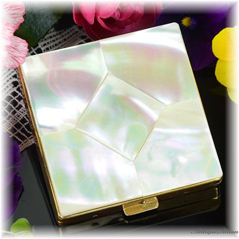 マーヒル Marhill ミニサイズ 特注新品ミラー 天然の真珠母貝 マザーオブパール 虹色の光沢 ピースの配置がみごと 個性的 1950年代 シリコンシフター付き お粉用コンパクト