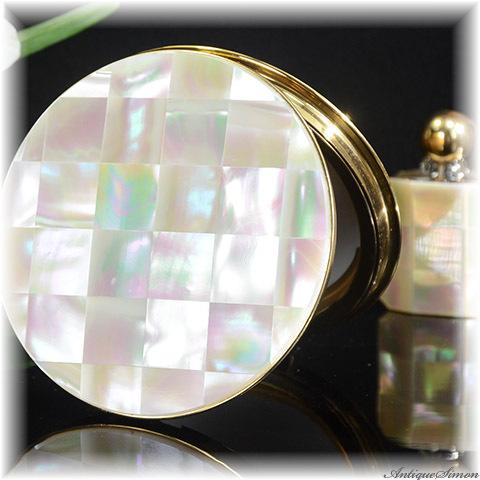 ドイツ製エムリッヒ EMRICH 未使用品3点セット マザーオブパールは大変良好 コンパクトのオリジナル鏡もとても良好 天然の真珠光沢 虹色の輝き クシのおまけ付き お粉用コンパクト