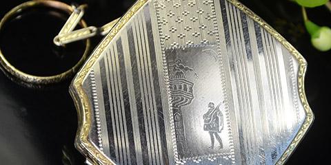 新着ピックアップ Stratton マザーオブパール MELISSA Schildkraut Marhill La Mode VOLUPTE WEDGWOOD MASCOT Wadsworth AVON DeVilbiss KIGU ELGIN American EVANS Regent of London Guilloche Finberg FMCO ANSICO Antique Simon AntiqueSimon アンティーク彩門