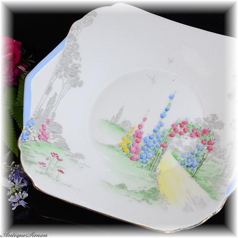 シェリー Shelley 花園の小径 ケーキプレート 着彩は全部ハンドペイント 薔薇アーチ Cambridge Shape 1945年~1966年 ロングセラー お揃いクリーマーはおまけ アールデコ