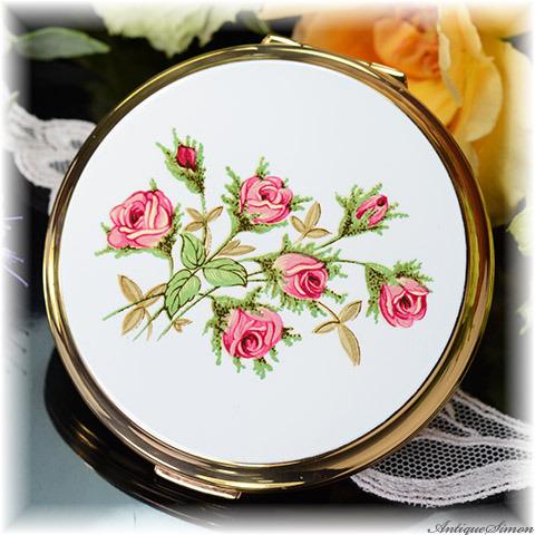ストラットン Stratton 未使用極上美品 特注新品ミラー 清楚な白エナメル 可憐なバラの花束 図案の妙 白エナメル お粉プレスト両用 コンバーチブル コンパクトミラー ローズピンク色