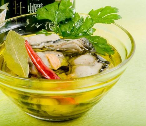 牡蠣オリーブオイル漬け