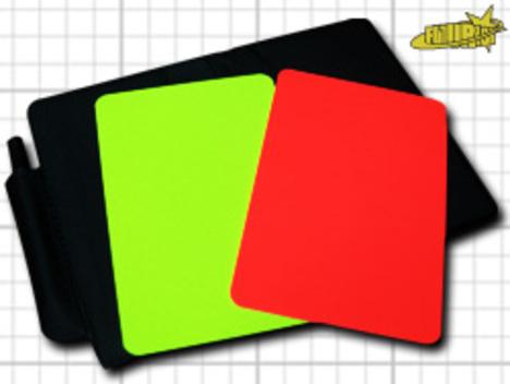 レフリー用: イエロー&レッドカード。カードケース。記録紙(英語)