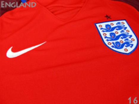 イングランド代表 胸アップ