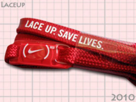 NIKE アフリカ支援 LACE UP SAVE LIVES 赤い靴ひも