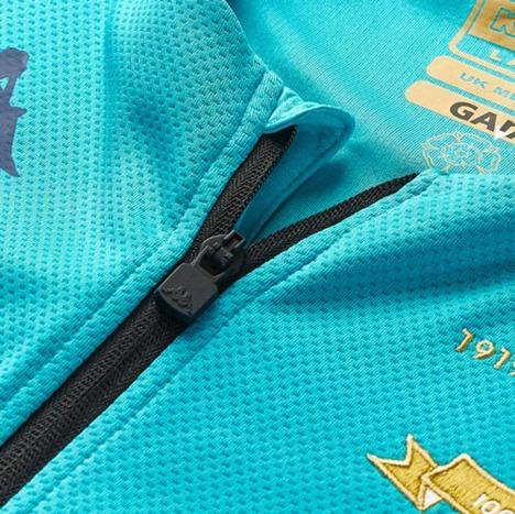【100周年】 リーズユナイテッド・アンセムジャケット 色=エレクトリック(水色) Kappa 【メール便送料無料】