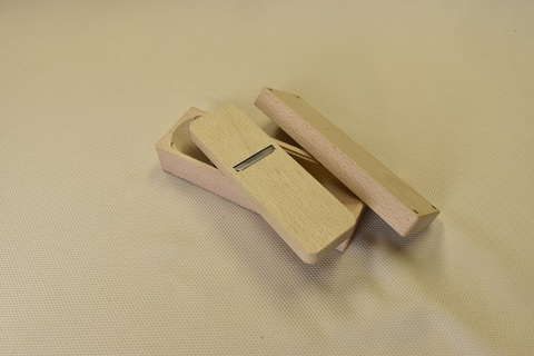 鰹節削り用鉋(カンナ) B型(小) 青紙×ブナ