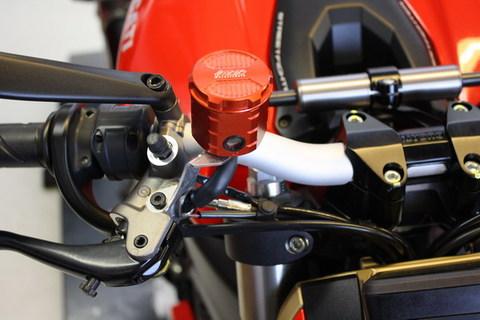 Ducati Streetfighter/S (1098) 2009y'以降 モデル用 フロント ブレーキ マスター リザーバー オイル タンク アルミ削り出し RED (赤色)