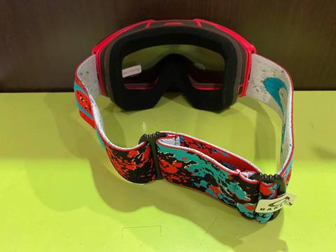 OAKLEY  FALL LINE  ARCTIC FRACTURE RED