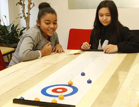 【KIKKERLAND】Table Top Curling Game