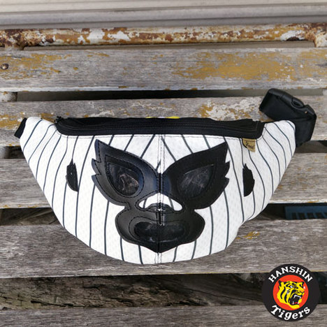 【HAOMING】×阪神タイガース MASK HIP BAG