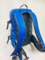BLUE背面