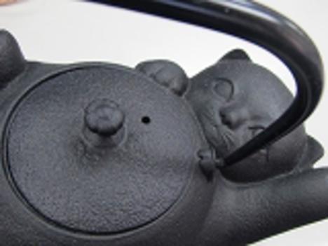 南部鉄急須黒猫ジャレジャレ0.6L黒