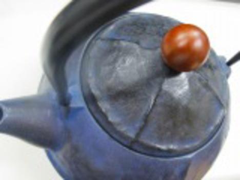 陶器風鉄瓶