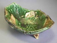 瀬戸焼 緑彩足付き舟型鉢