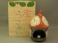 唐津白化粧朱塗兎香炉