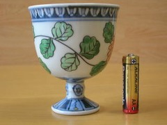 有田焼 六代佐藤走波作 染錦菊草紋ワインカップ