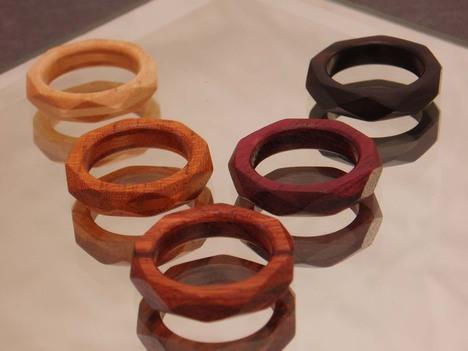 """""""木の指輪"""