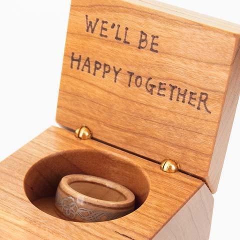 金属アレルギー プロポーズ 指輪