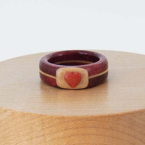 金属アレルギー 木の指輪