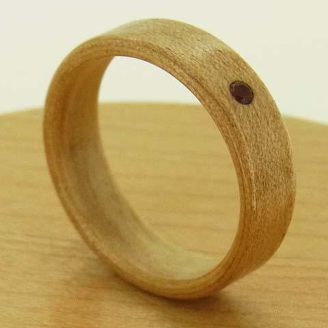 ガーネットの指輪
