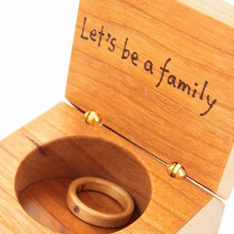 ピンクトルマリンの指輪と指輪ケース