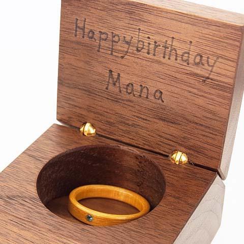 誕生日 指輪