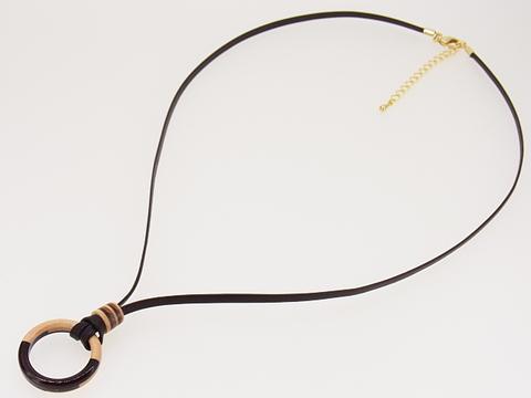 結婚指輪をネックレスにする高級革紐