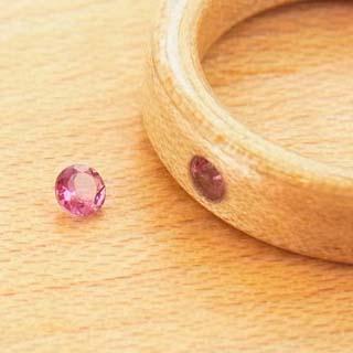 10月の誕生石ピンクトルマリンの木の指輪