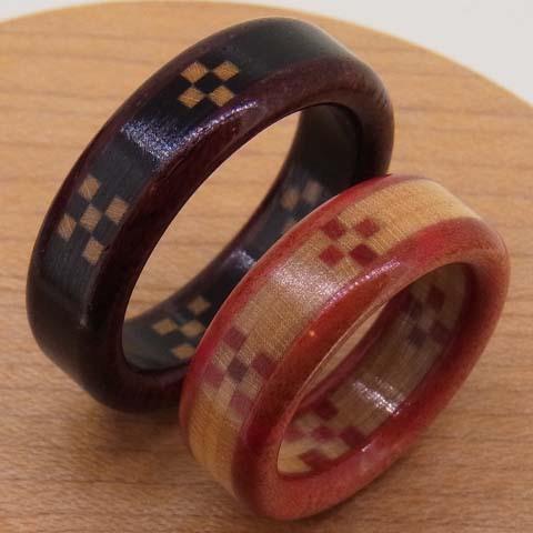 黒ベースの人気の配色!沖縄ミンサー織りの木の指輪 Aタイプ