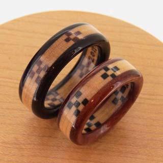 ケース入りミンサー織の指輪