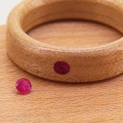 木の指輪 ルビー